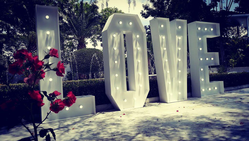 alquiler-love-bodas-sevilla